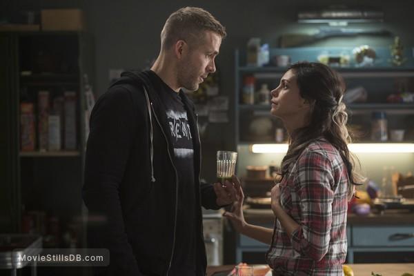 Deadpool - Publicity still of Ryan Reynolds & Morena Baccarin