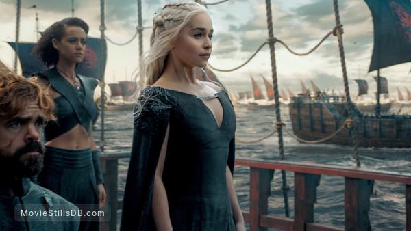 Game of Thrones -  Emilia Clarke, Nathalie Emmanuel & Peter Dinklage