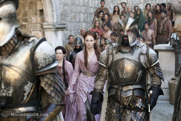 Game of Thrones - Publicity still of Sophie Turner & Ian Beattie