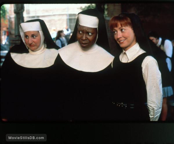 Sister Act 2: Back in the Habit - Publicity still of Whoopi Goldberg, Kathy Najimy & Wendy Makkena