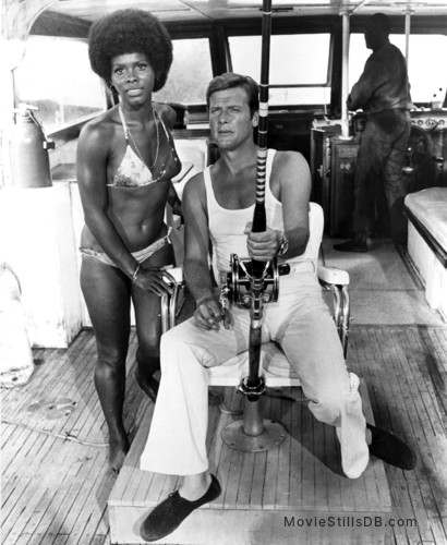 Live And Let Die - Publicity still of Gloria Hendry & Roger Moore