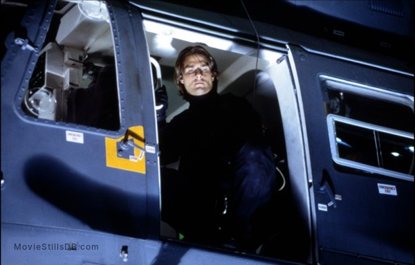 Mission: Impossible II - Publicity still of Tom Cruise