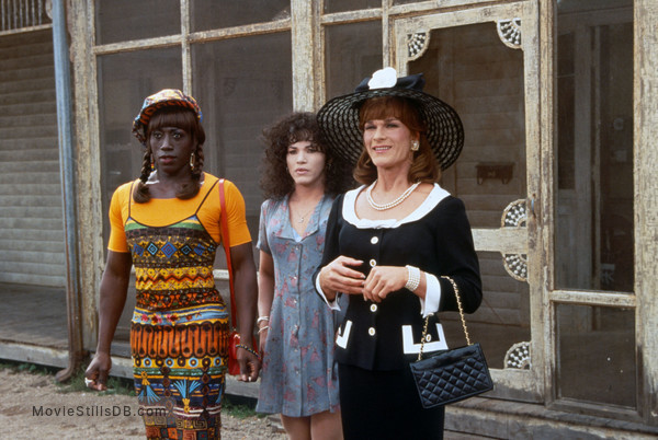 To Wong Foo Thanks for Everything, Julie Newmar - Publicity still of Wesley Snipes, John Leguizamo & Patrick Swayze