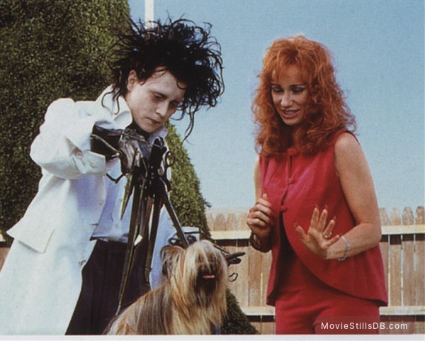 Edward Scissorhands Publicity Still Of Johnny Depp Kathy Baker