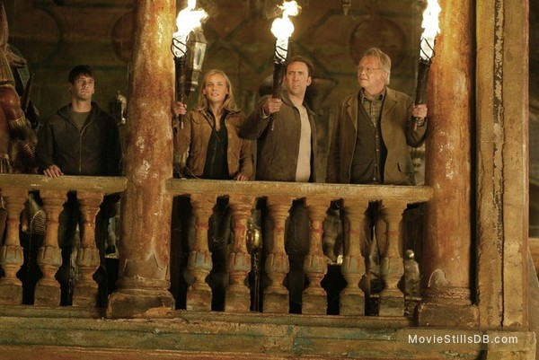 National Treasure - Publicity still of Nicolas Cage, Justin Bartha, Diane Kruger & Jon Voight