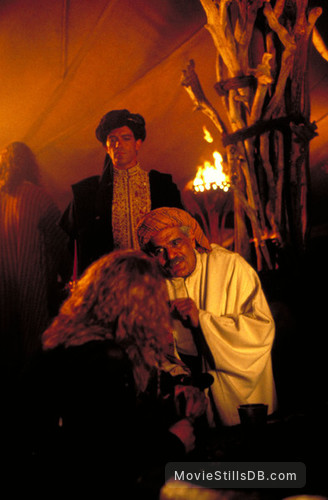 The 13th Warrior - Publicity still of Omar Sharif & Antonio Banderas