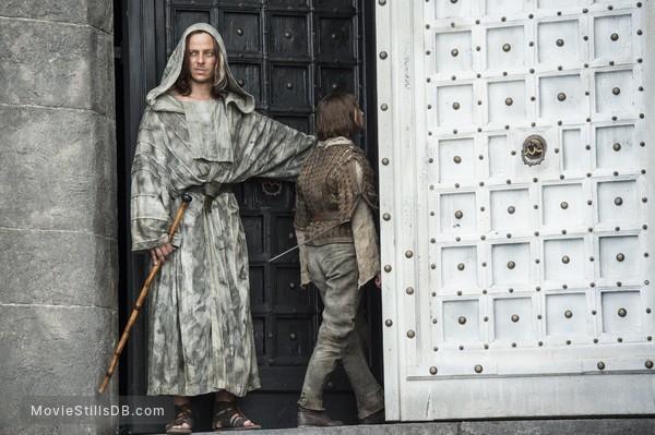 Game of Thrones - Publicity still of Maisie Williams & Tom Wlaschiha