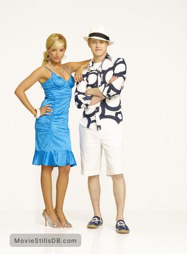 High School Musical 2 - Publicity still of Ashley Tisdale & Lucas Grabeel
