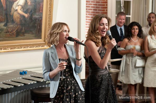 Bridesmaids - Publicity still of Kristen Wiig & Rose Byrne