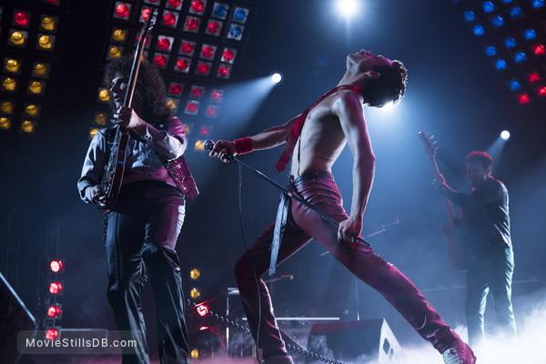 Bohemian Rhapsody - Publicity still of Joseph Mazzello, Rami Malek & Gwilym Lee