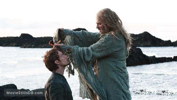 Game of Thrones - Publicity still of Alfie Allen & Jonathan Ryan