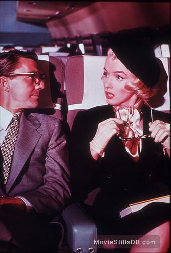 How to Marry a Millionaire - Publicity still of Marilyn Monroe & David Wayne