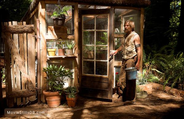 Captain Fantastic - Publicity still of Viggo Mortensen