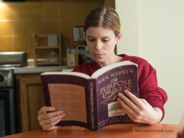 Captive - Publicity still of Kate Mara