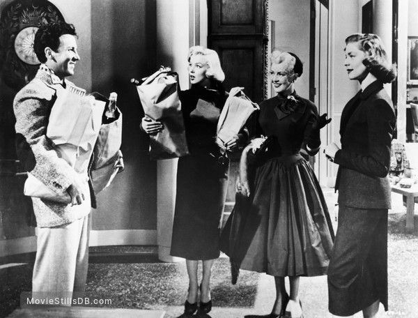 How to Marry a Millionaire - Publicity still of Marilyn Monroe, Lauren Bacall, Betty Grable & Cameron Mitchell