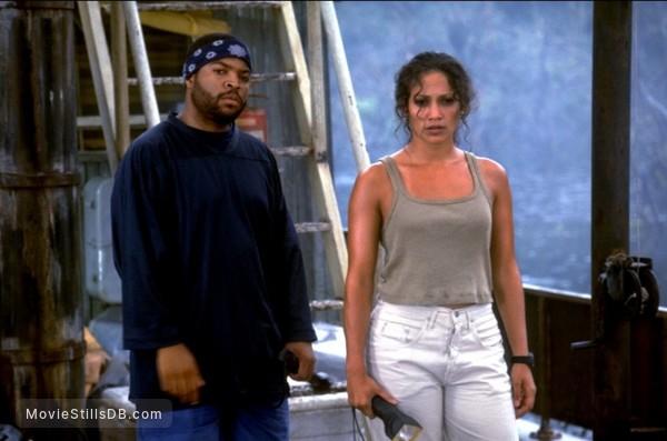 Anaconda - Publicity still of Jennifer Lopez & Ice Cube