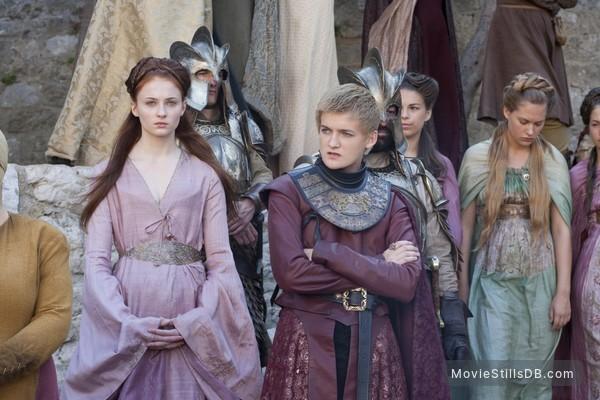 Game of Thrones - Publicity still of Sophie Turner & Jack Gleeson