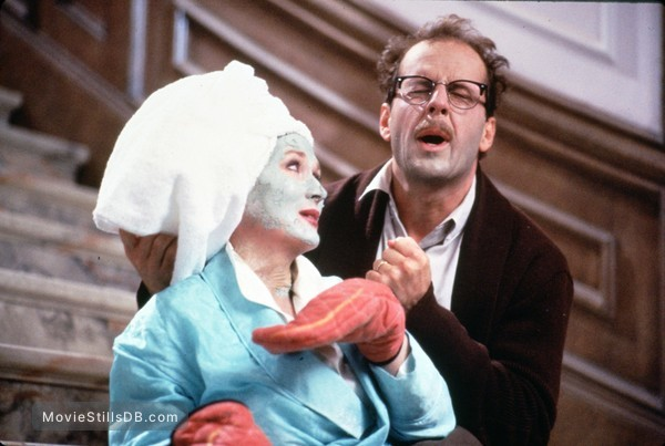 Death Becomes Her - Publicity still of Bruce Willis & Meryl Streep