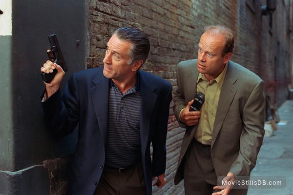15 Minutes - Publicity still of Robert De Niro & Kelsey Grammer