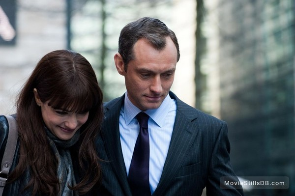 360 - Publicity still of Rachel Weisz & Jude Law