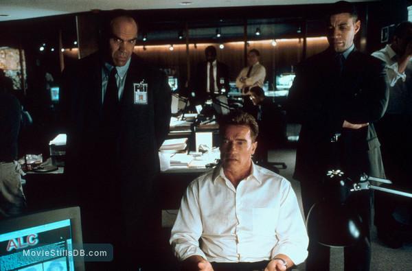Collateral Damage - Publicity still of Arnold Schwarzenegger & Harry Lennix