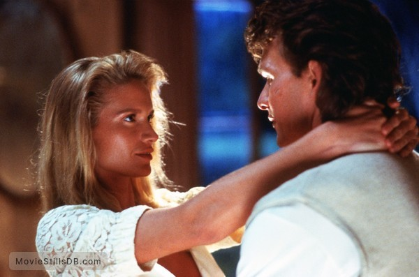 Road House - Publicity still of Patrick Swayze & Kelly Lynch