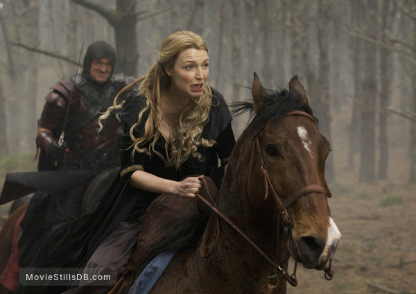 Legend of the Seeker - Publicity still of Tania Nolan