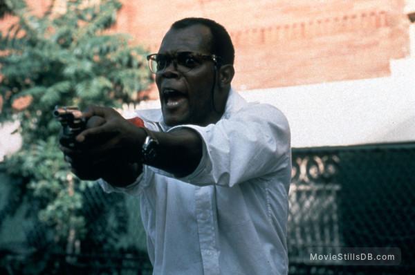 Die Hard: With a Vengeance - Publicity still of Samuel L. Jackson
