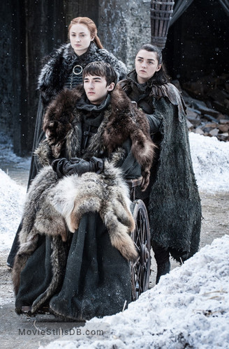 Game of Thrones - Publicity still of Sophie Turner, Maisie Williams & Isaac Hempstead-Wright