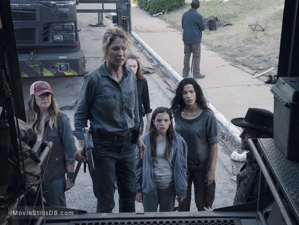 Fear the Walking Dead - Episode 4x15 publicity still of Mo