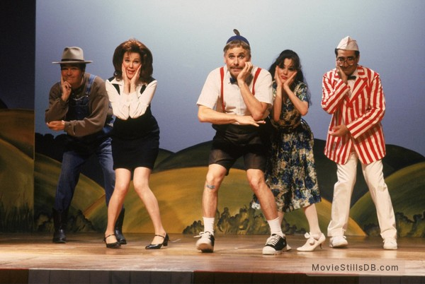 Waiting for Guffman - Publicity still of Parker Posey, Christopher Guest, Fred Willard & Eugene Levy