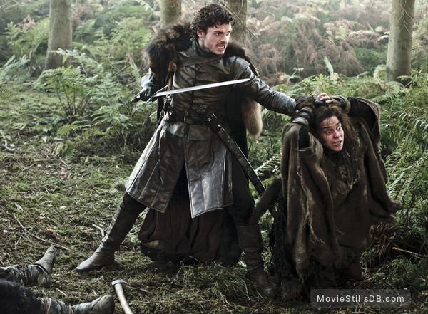 Game of Thrones - Publicity still of Richard Madden & Natalia Tena