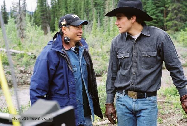 Brokeback Mountain - Publicity still of Ang Lee & Jake Gyllenhaal