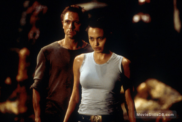 Lara Croft: Tomb Raider - Publicity still of Angelina Jolie & Daniel Craig