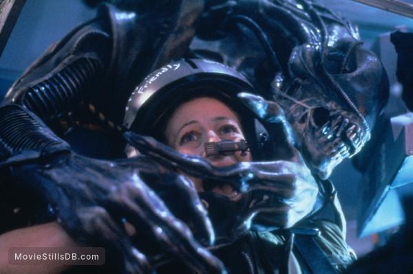Aliens - Publicity still of Cynthia Dale Scott