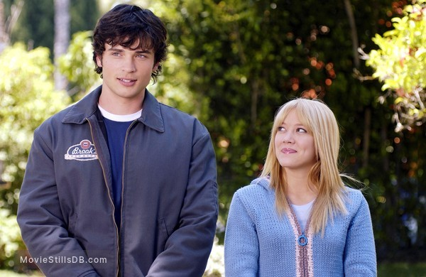 Cheaper by the Dozen - Publicity still of Hilary Duff & Tom Welling