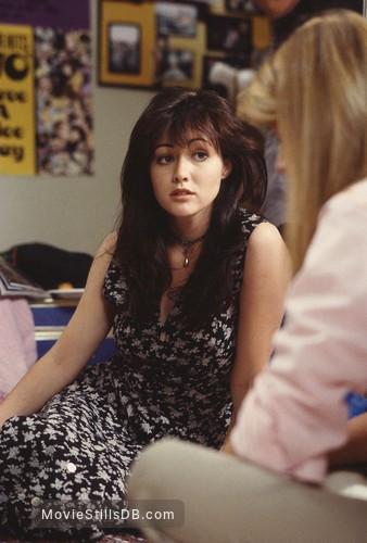 Beverly Hills, 90210 - Publicity still of Shannen Doherty & Wendy Benson