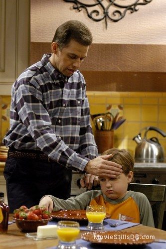 Two and a Half Men - Publicity still of Jon Cryer & Angus T. Jones