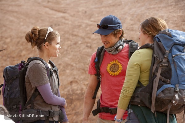 127 Hours - Publicity still of James Franco, Amber Tamblyn & Kate Mara