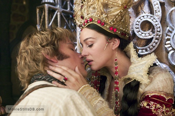 The Brothers Grimm - Publicity still of Monica Bellucci & Matt Damon