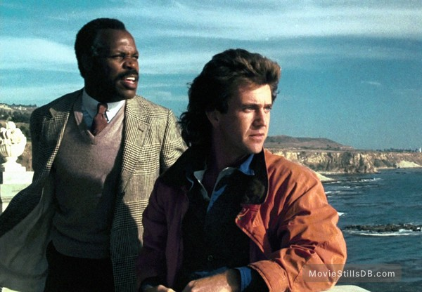 Lethal Weapon - Publicity still of Danny Glover & Mel Gibson