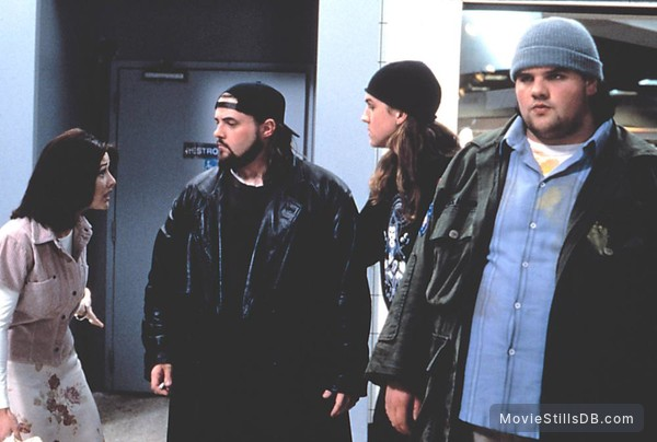 Mallrats - Publicity still of Shannen Doherty, Jason Lee, Kevin Smith & Ethan Suplee