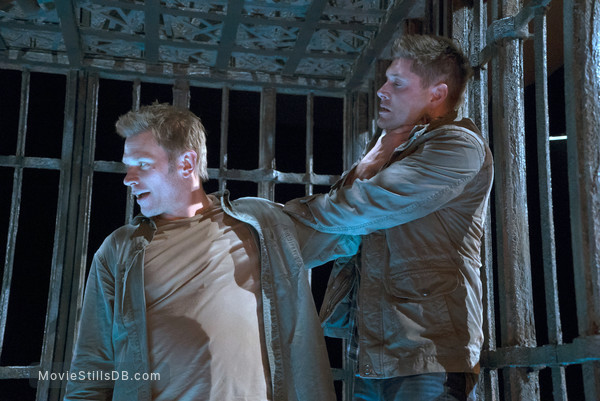 Supernatural - Publicity still of Jensen Ackles & Mark Pellegrino