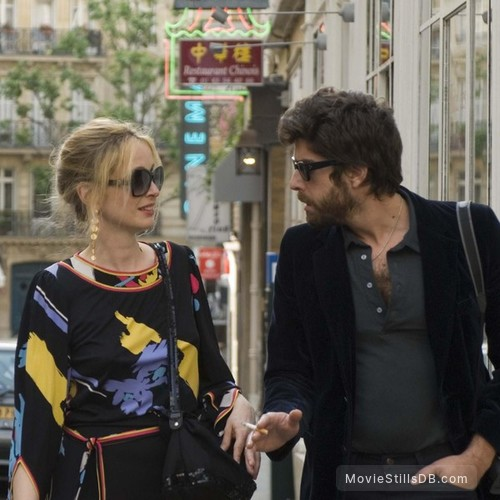 2 Days in Paris - Publicity still of Julie Delpy & Adam Goldberg