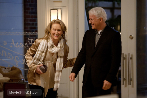 It's Complicated - Publicity still of Steve Martin & Meryl Streep