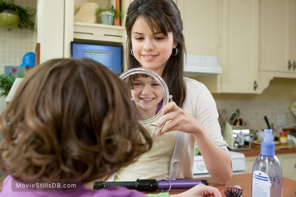 Ramona and Beezus - Publicity still of Selena Gomez