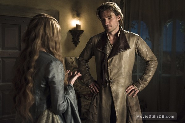 Game of Thrones - Publicity still of Nikolaj Coster-Waldau & Lena Headey