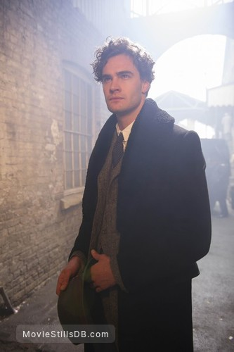 Jekyll & Hyde - Publicity still of Tom Bateman