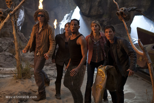 Percy Jackson: Sea of Monsters - Publicity still of Logan Lerman, Alexandra Daddario, Leven Rambin, Douglas Smith & Brandon T. Jackson