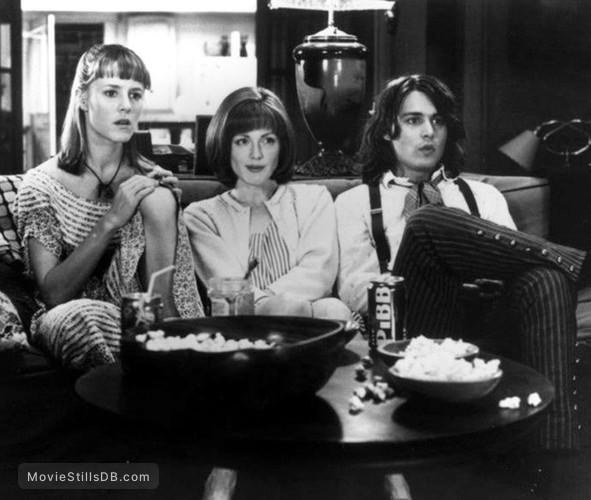 Benny And Joon - Publicity still of Julianne Moore, Johnny Depp & Mary Stuart Masterson